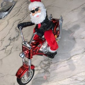 🤣 NEW animated Harley Davidson riding Santa READ